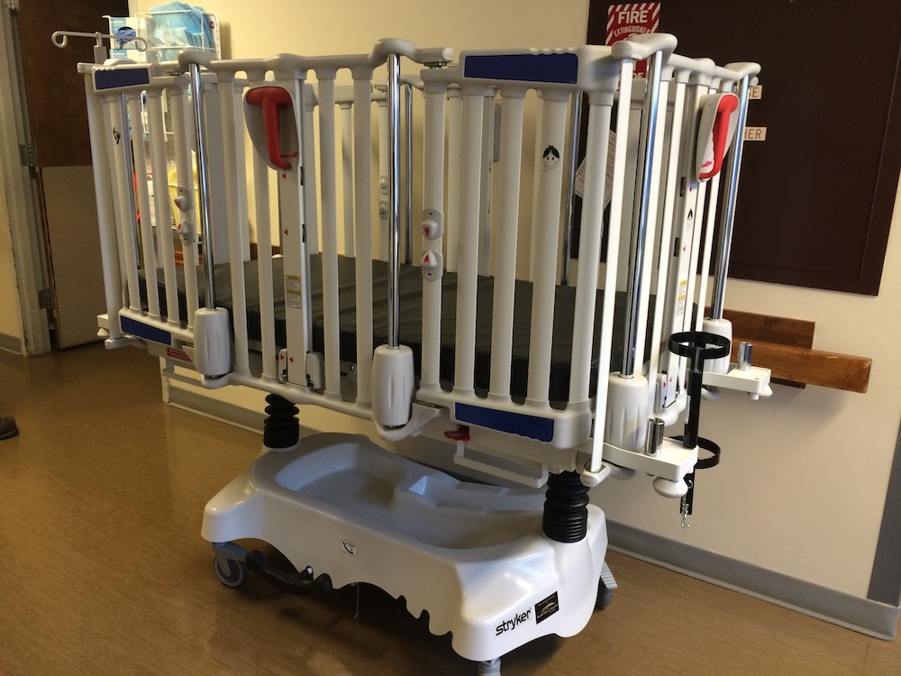 Pediatric Crib Stretcher